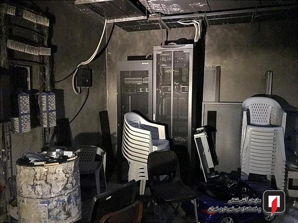 برج معروف سعادت آباد آتش گرفت / تصاویر دیده نشده