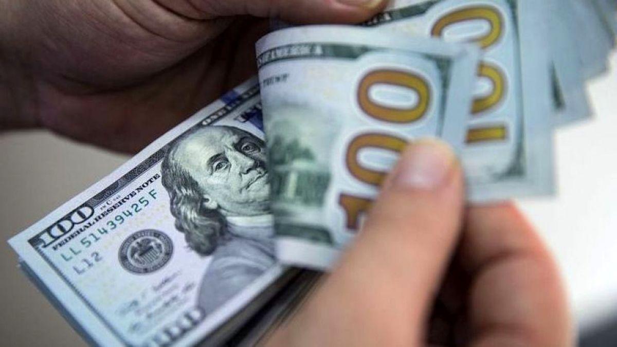 افزایش دوباره قیمت دلار صرافان را سردرگم کرد| دلار چقدر شد؟