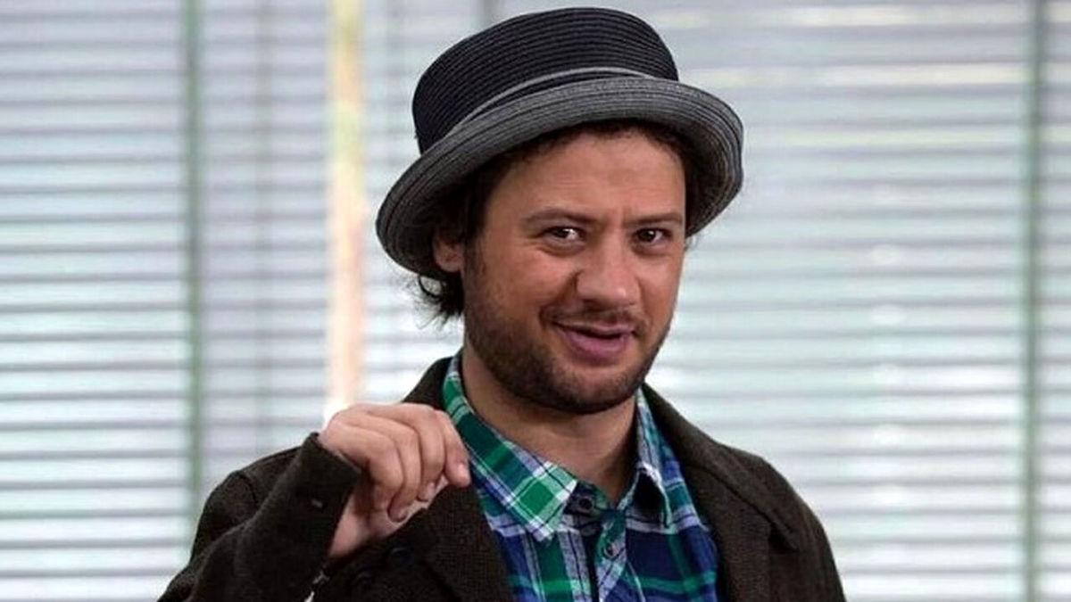 ببینید| علی صادقی در پشت صحنه سریال نون خ